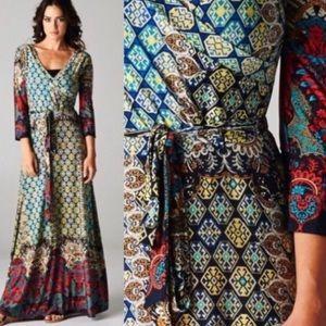 MEDALLION BORDER MAXI DRESS.
